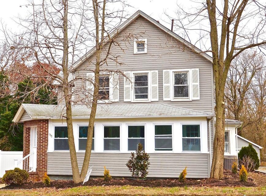 Частный односемейный дом для того Продажа на 115 Buckelew Avenue 115 Buckelew Avenue Jamesburg, Нью-Джерси 08831 Соединенные Штаты
