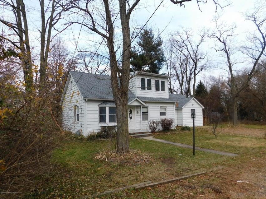 独户住宅 为 销售 在 2 A Dey Street 2 A Dey Street 英语城, 新泽西州 07726 美国