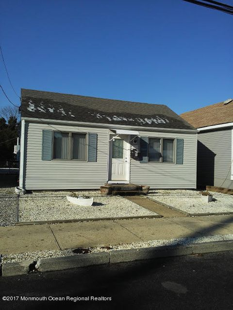 Single Family Home for Rent at 200 11th Avenue 200 11th Avenue Seaside Park, New Jersey 08752 United States