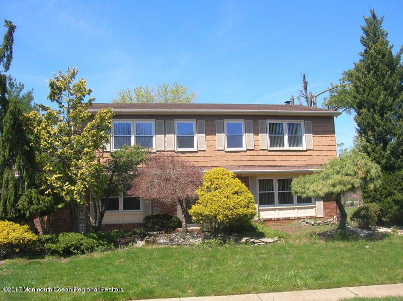 Single Family Home for Rent at 15 Cardinal Court 15 Cardinal Court Marlboro, New Jersey 07746 United States