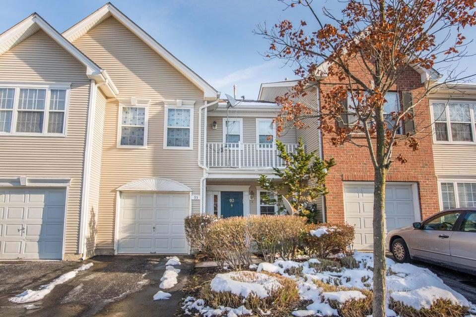 一戸建て のために 売買 アット 93 Windsong Circle 93 Windsong Circle East Brunswick Township, ニュージャージー 08816 アメリカ合衆国