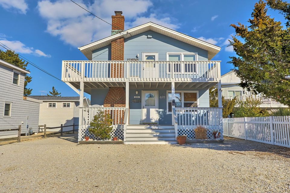 Multi-Family Home for Sale at 221 Iroquois Avenue 221 Iroquois Avenue Beach Haven, New Jersey 08008 United States