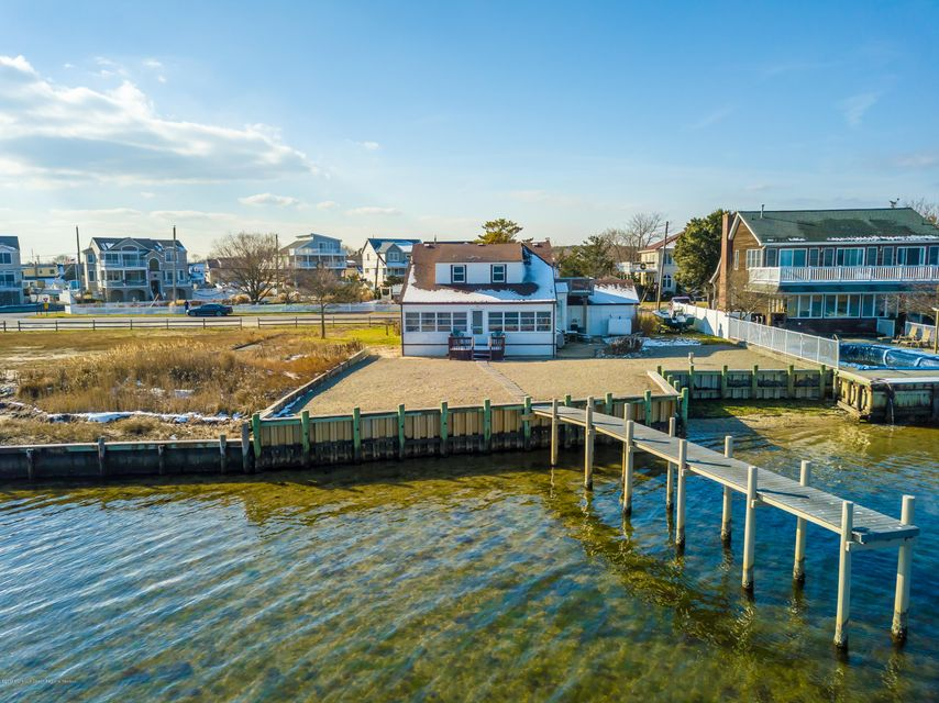 Single Family Home for Sale at 8 High Tide Drive 8 High Tide Drive Waretown, New Jersey 08758 United States