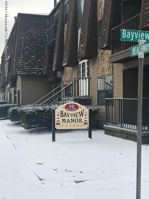 Maison unifamiliale pour l à louer à 98 Beachway Avenue 98 Beachway Avenue Keansburg, New Jersey 07734 États-Unis