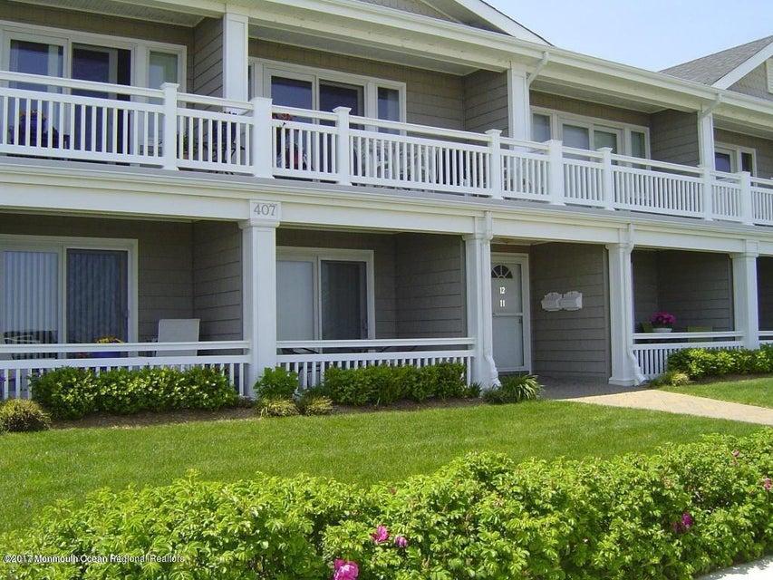 Moradia para Venda às 407 Ocean Avenue 407 Ocean Avenue Belmar, Nova Jersey 07719 Estados Unidos