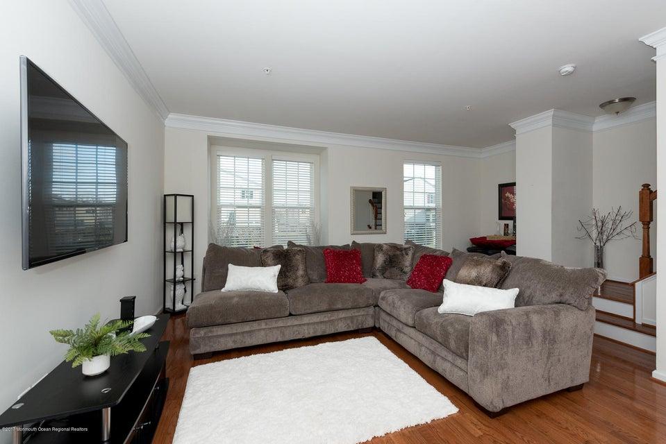 Condominio por un Alquiler en 95 Phillip E. Frank Way 95 Phillip E. Frank Way Aberdeen, Nueva Jersey 07747 Estados Unidos