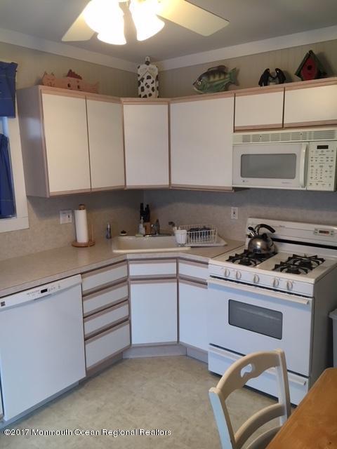 Casa Unifamiliar por un Alquiler en 26 G Street 26 G Street Seaside Park, Nueva Jersey 08752 Estados Unidos