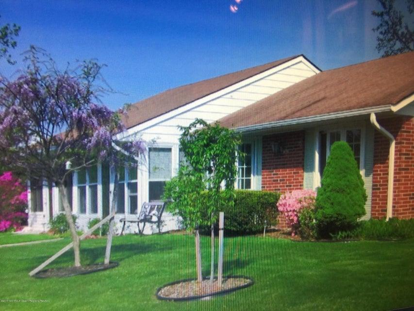 独户住宅 为 出租 在 239 D Huntington Drive 239 D Huntington Drive 莱克伍德, 新泽西州 08701 美国