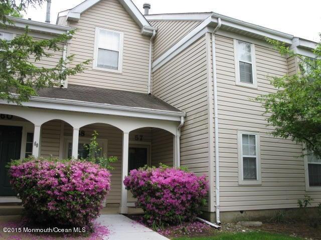 Condominio por un Alquiler en 57 Lily Lane 57 Lily Lane Freehold, Nueva Jersey 07728 Estados Unidos