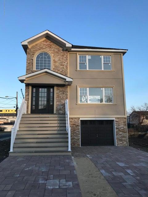 Casa Unifamiliar por un Alquiler en 30 Seabreeze Way 30 Seabreeze Way Keansburg, Nueva Jersey 07734 Estados Unidos