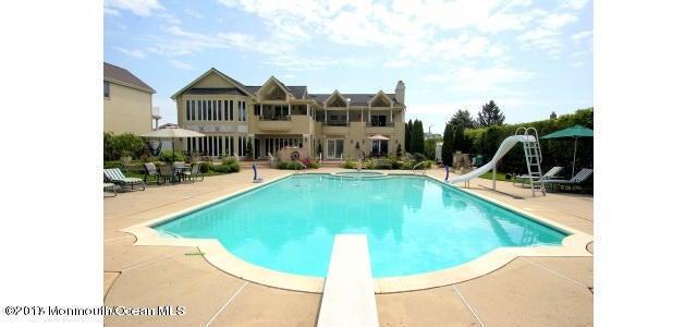 獨棟家庭住宅 為 出售 在 1026 Ocean Avenue 1026 Ocean Avenue Elberon, 新澤西州 07740 美國