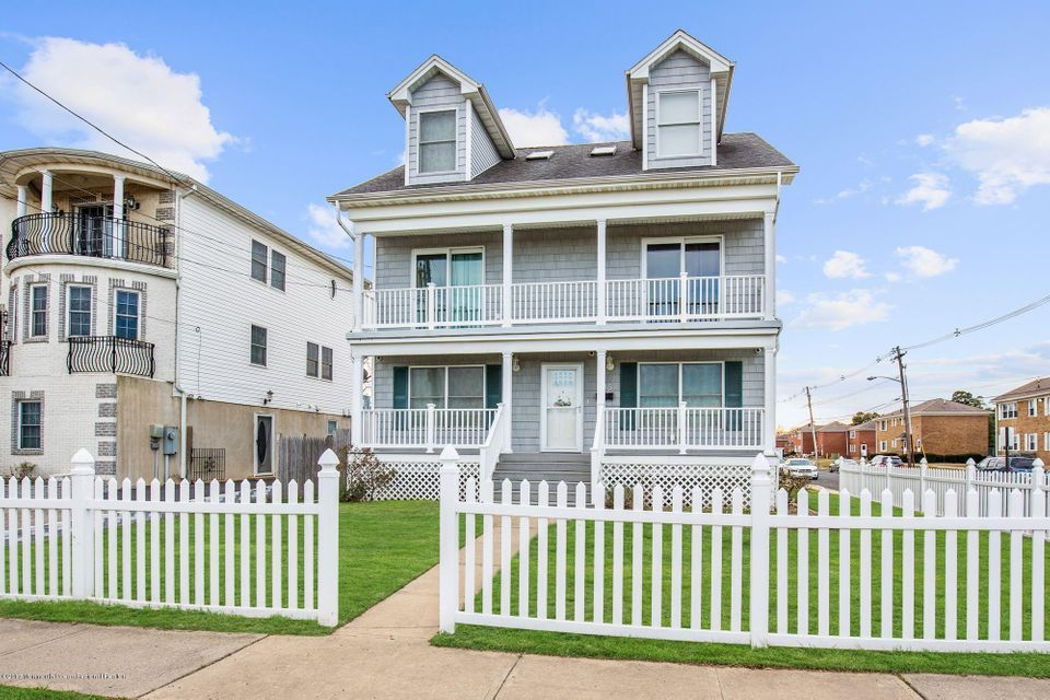 Single Family Home for Rent at 135 Beachway Avenue 135 Beachway Avenue Keansburg, New Jersey 07734 United States
