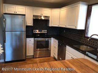 Additional photo for property listing at 17 Allaire Drive 17 Allaire Drive Toms River, New Jersey 08753 Amerika Birleşik Devletleri