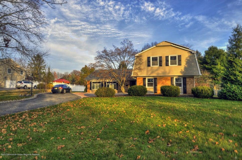 Casa Unifamiliar por un Alquiler en 380 Iron Bridge Road 380 Iron Bridge Road Freehold, Nueva Jersey 07728 Estados Unidos
