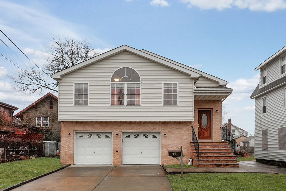 Maison unifamiliale pour l Vente à 6 Oceanview Avenue 6 Oceanview Avenue Keansburg, New Jersey 07734 États-Unis