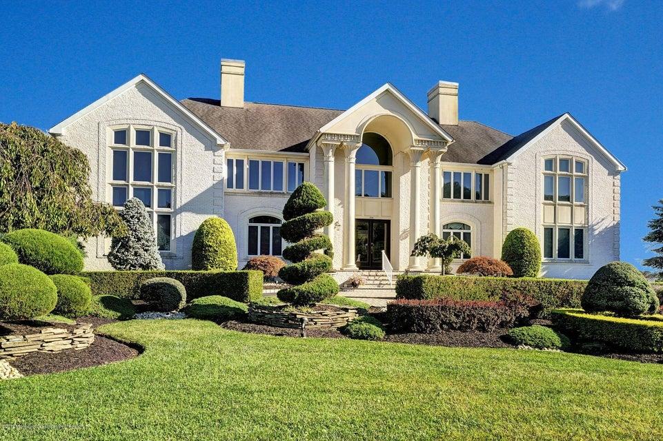 Maison unifamiliale pour l Vente à 306 Bayview Drive 306 Bayview Drive Morganville, New Jersey 07751 États-Unis