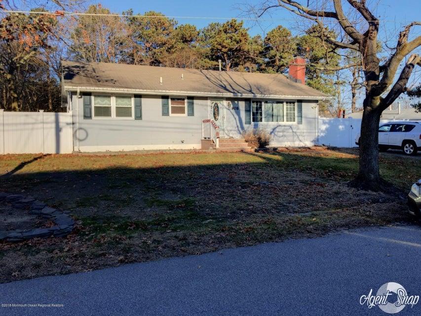 Single Family Home for Rent at 908 Leeward Avenue 908 Leeward Avenue Beachwood, New Jersey 08722 United States