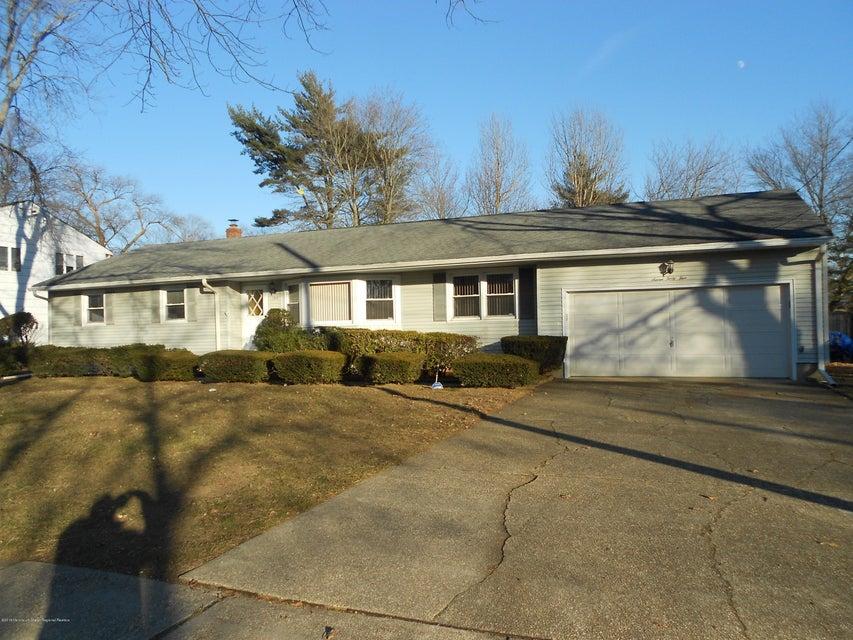 獨棟家庭住宅 為 出售 在 745 Woodgate Avenue 745 Woodgate Avenue Elberon, 新澤西州 07740 美國