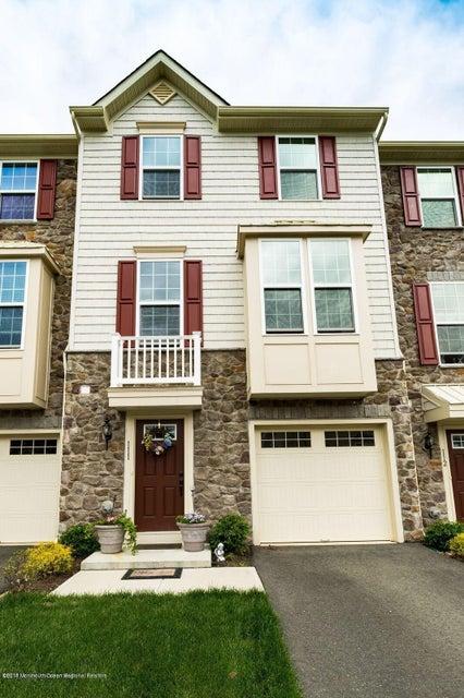 Einfamilienhaus für Verkauf beim 111 Phillip E Frank Way 111 Phillip E Frank Way Cliffwood, New Jersey 07721 Vereinigte Staaten