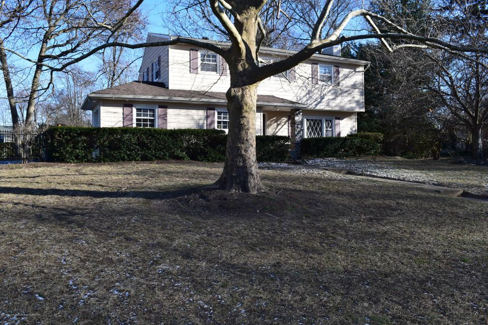 Single Family Home for Sale at 32 Nautilus Drive 32 Nautilus Drive Leonardo, New Jersey 07737 United States
