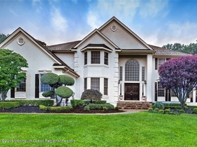Villa per Vendita alle ore 113 Laredo Drive 113 Laredo Drive Marlboro, New Jersey 07746 Stati Uniti