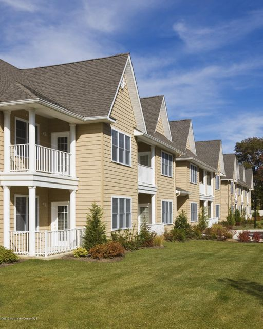 Apartment for Rent at 362 Route 9 Highway 362 Route 9 Highway Marlboro, New Jersey 07746 United States