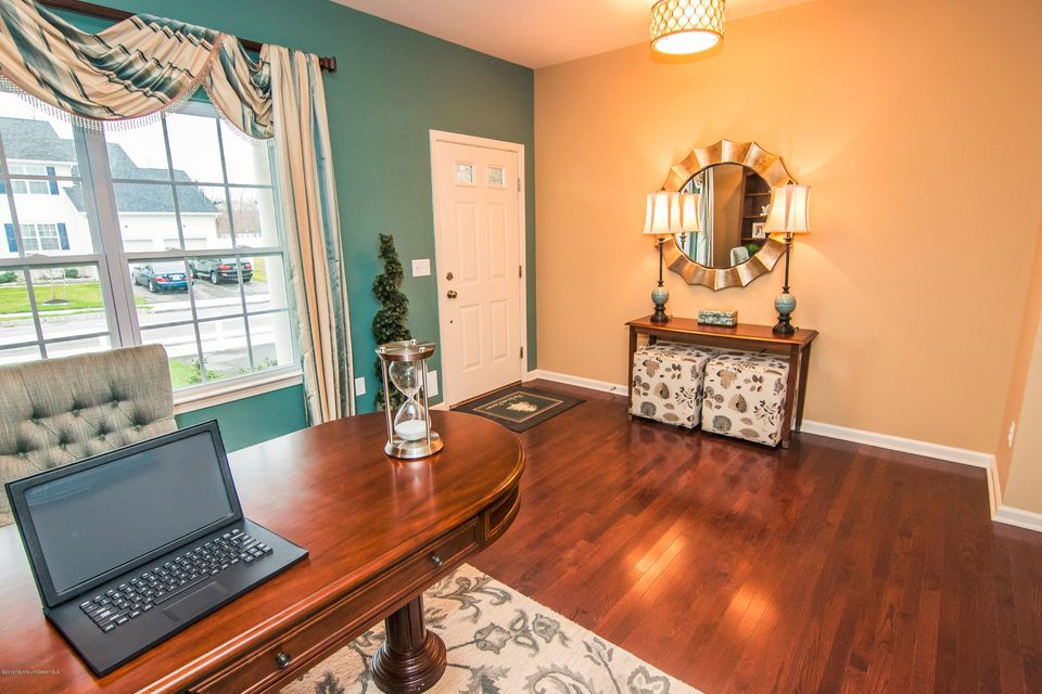 Additional photo for property listing at 1 Goldenrod Avenue 1 Goldenrod Avenue Bayville, New Jersey 08721 Hoa Kỳ