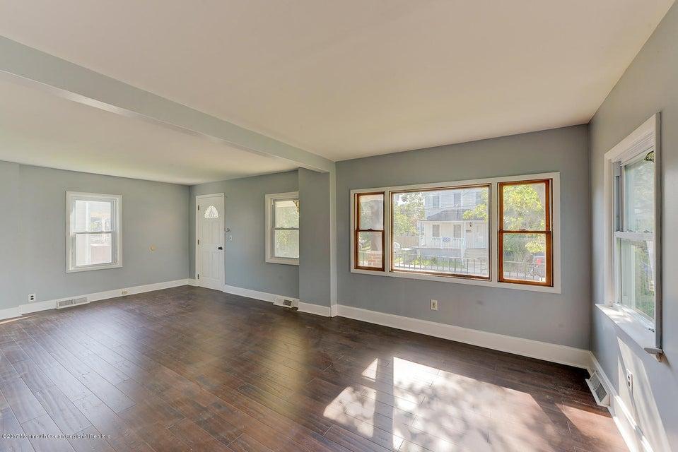 Open foyer or living room