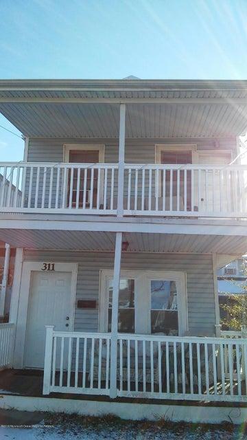 Casa Unifamiliar por un Alquiler en 311 Rear Park Place Avenue 311 Rear Park Place Avenue Bradley Beach, Nueva Jersey 07720 Estados Unidos