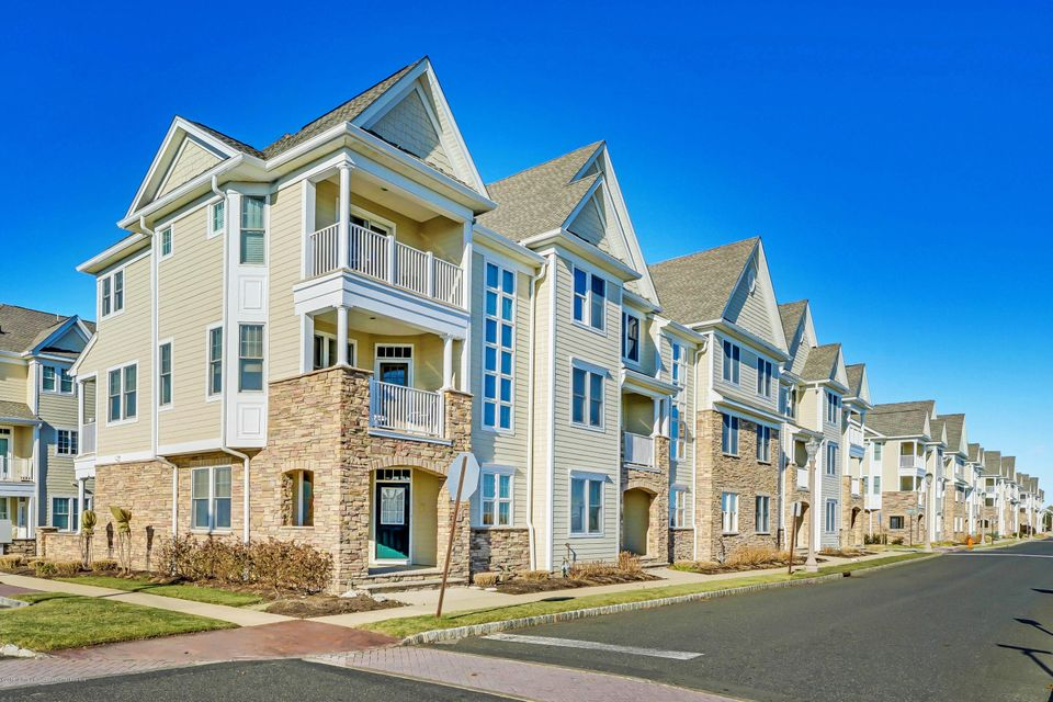 獨棟家庭住宅 為 出售 在 2 Mckinley Street 2 Mckinley Street Long Branch, 新澤西州 07740 美國