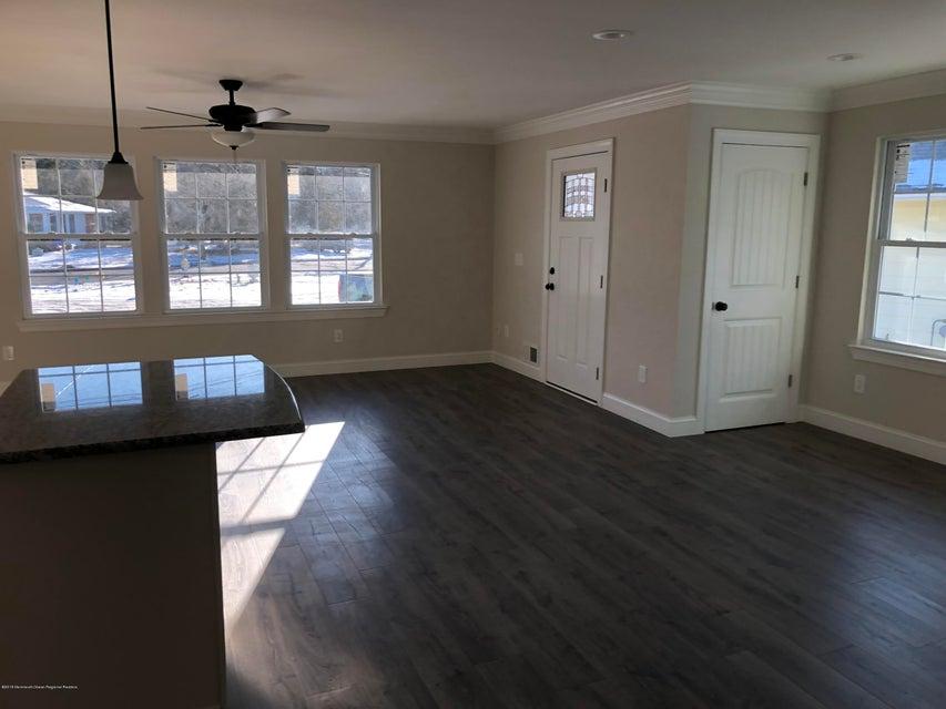 Additional photo for property listing at 2330 Yorktowne Boulevard 2330 Yorktowne Boulevard Toms River, New Jersey 08753 Amerika Birleşik Devletleri