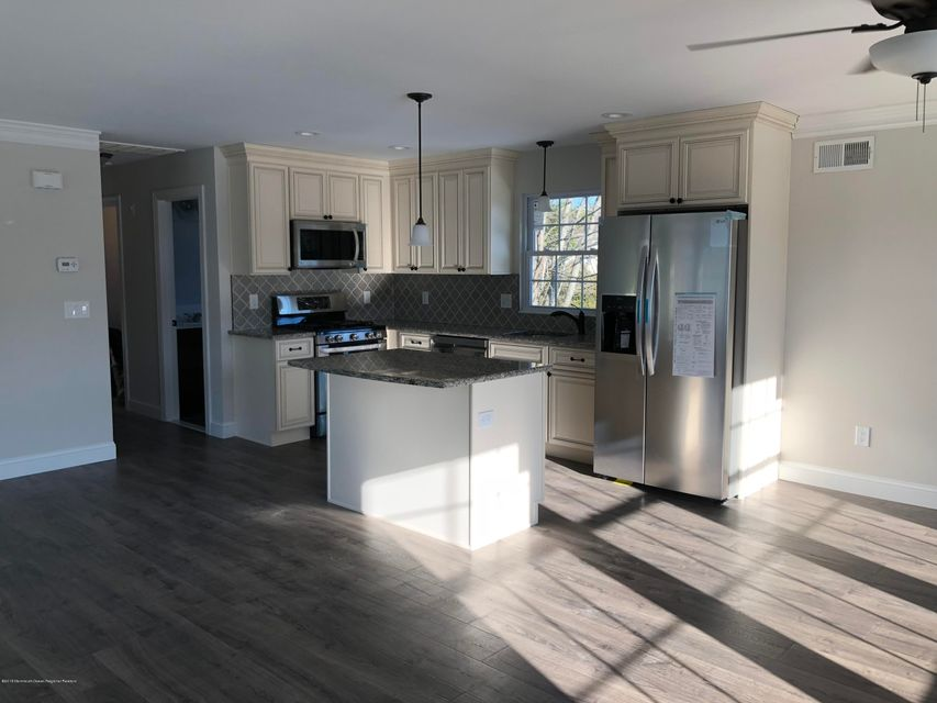 Tek Ailelik Ev için Satış at 2330 Yorktowne Boulevard 2330 Yorktowne Boulevard Toms River, New Jersey 08753 Amerika Birleşik Devletleri