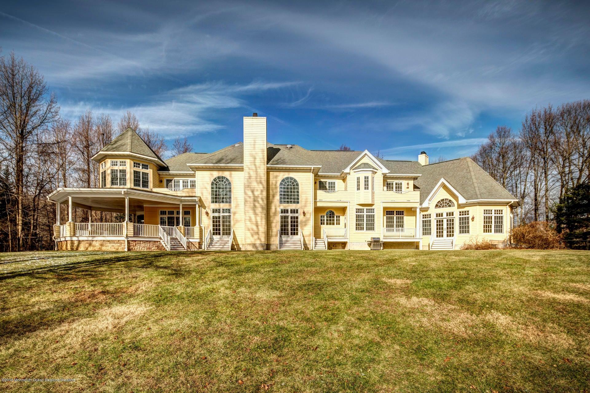 Villa per Vendita alle ore 603 Martins Lane 603 Martins Lane Red Bank, New Jersey 07701 Stati Uniti