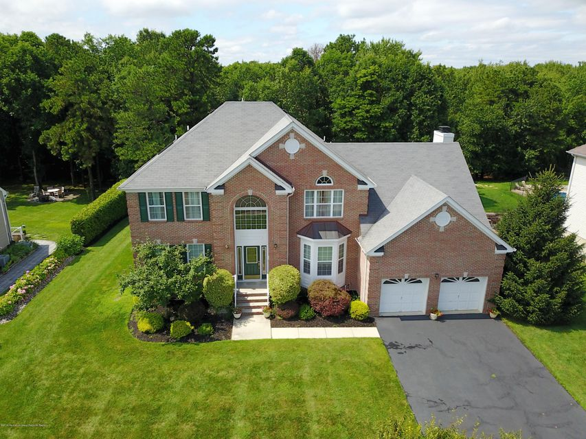 Casa para uma família para Venda às 14 Angelina Court 14 Angelina Court Monroe, Nova Jersey 08831 Estados Unidos