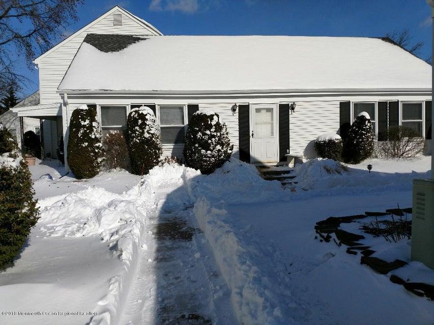 Vivienda unifamiliar por un Alquiler en 607 Winchester Lane 607 Winchester Lane Monroe, Nueva Jersey 08831 Estados Unidos