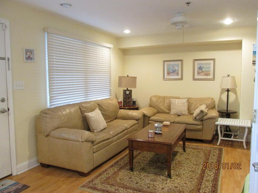 共管式独立产权公寓 为 出租 在 2400 Grand Central Avenue 2400 Grand Central Avenue Lavallette, 新泽西州 08735 美国
