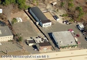 Commercial pour l Vente à 1029 Us Highway 9 1029 Us Highway 9 Howell, New Jersey 07731 États-Unis