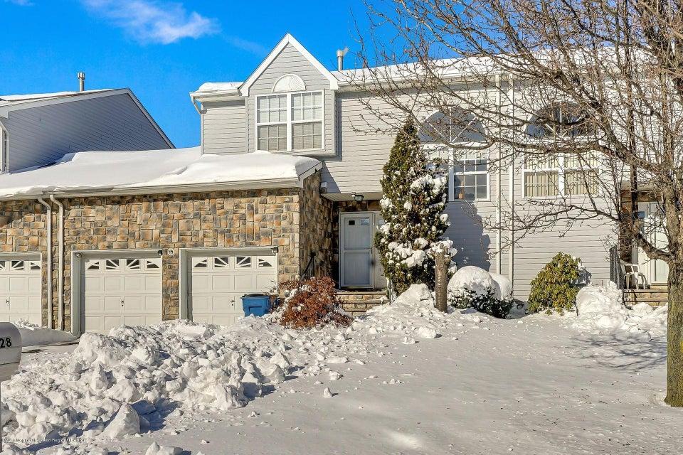 Villa per Vendita alle ore 28 Woodpecker Way 28 Woodpecker Way Marlboro, New Jersey 07746 Stati Uniti