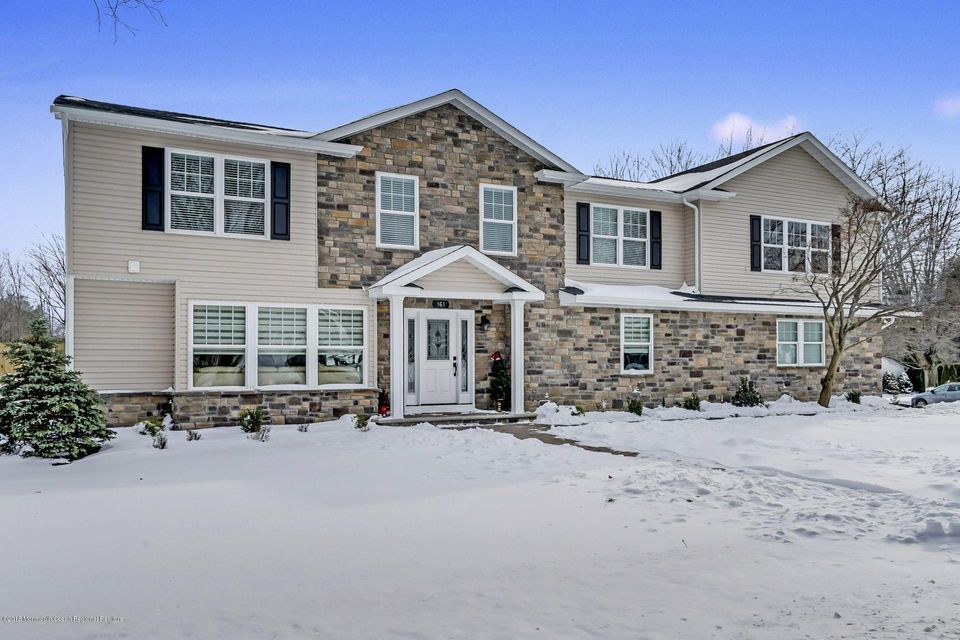 Villa per Vendita alle ore 161 Gordons Corner Road 161 Gordons Corner Road Marlboro, New Jersey 07746 Stati Uniti