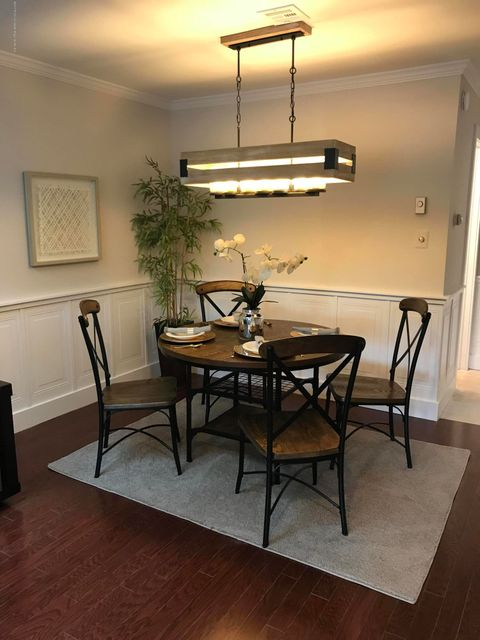 Additional photo for property listing at 50 Friendship Court 50 Friendship Court Middletown, Nueva Jersey 07748 Estados Unidos