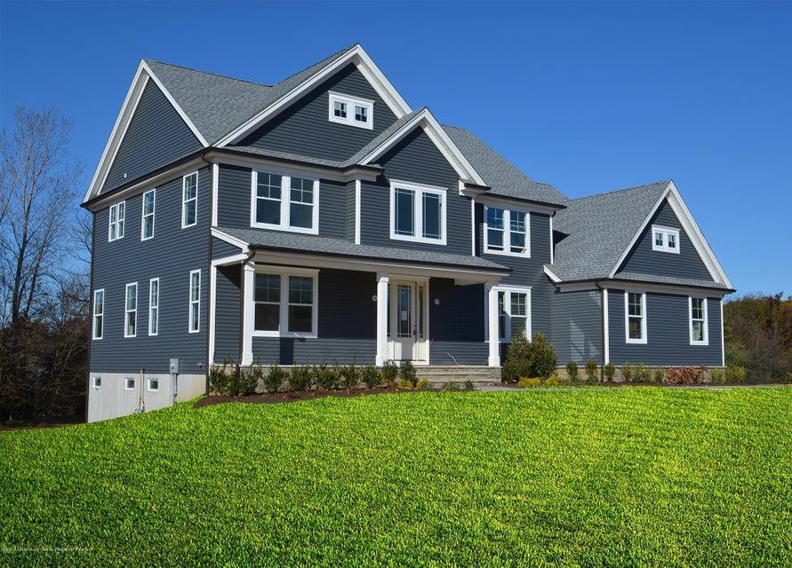 Nhà ở một gia đình vì Bán tại 13 Phipps Place 13 Phipps Place Tinton Falls, New Jersey 07724 Hoa Kỳ