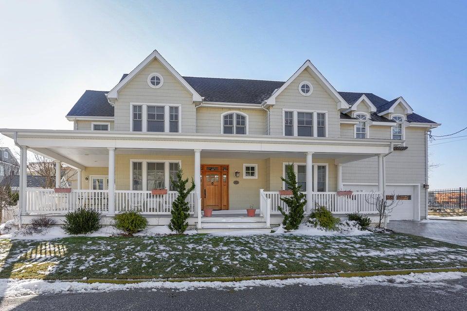 一戸建て のために 売買 アット 101 Washington Lane 101 Washington Lane Avon, ニュージャージー 07717 アメリカ合衆国