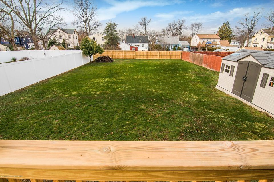Additional photo for property listing at 394 Whittier Avenue 394 Whittier Avenue Dunellen, Нью-Джерси 08812 Соединенные Штаты
