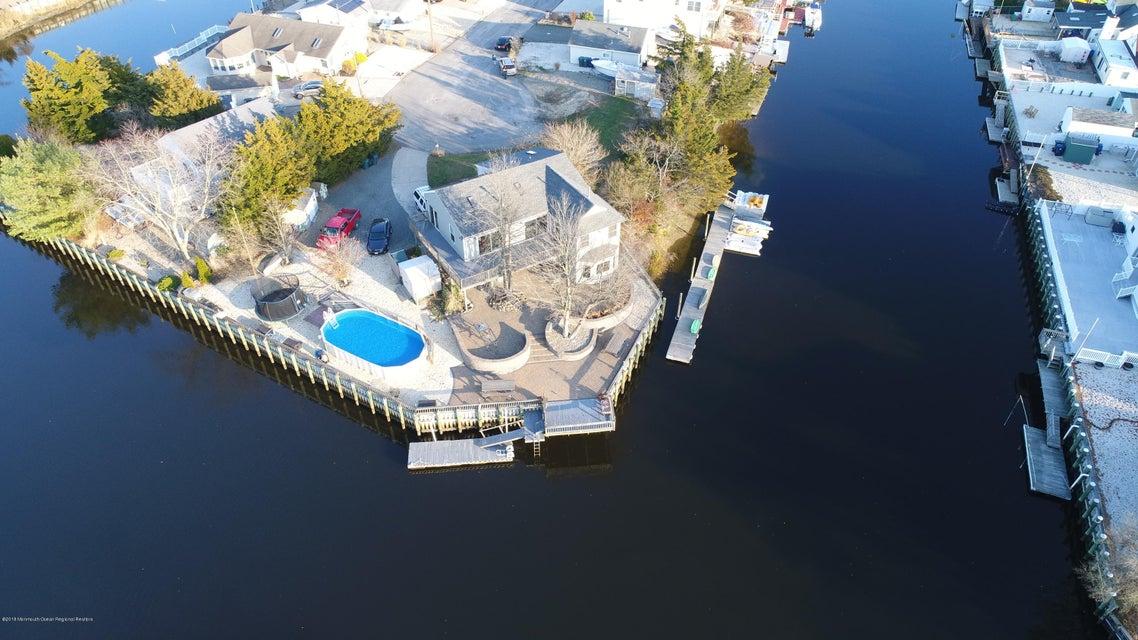 Casa para uma família para Venda às 31 Cranbury Lake Drive 31 Cranbury Lake Drive Little Egg Harbor, Nova Jersey 08087 Estados Unidos