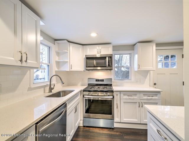 Maison unifamiliale pour l Vente à 20 Florence Avenue 20 Florence Avenue South River, New Jersey 08882 États-Unis