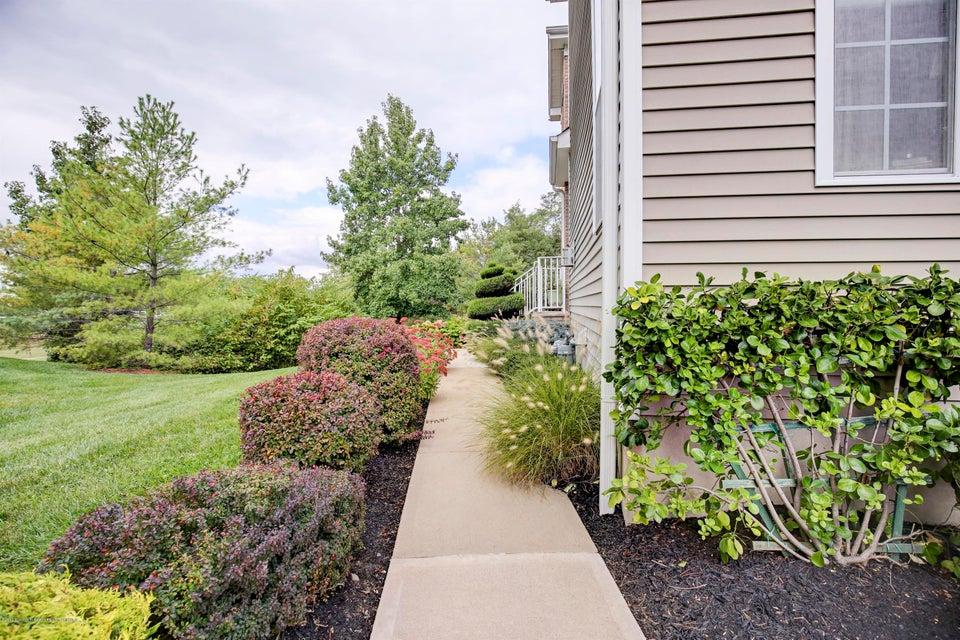 003_Front Walkway