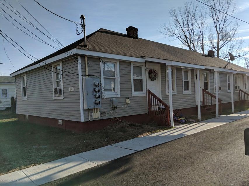 Многосемейный дом для того Продажа на 164 Seeley Avenue 164 Seeley Avenue Keansburg, Нью-Джерси 07734 Соединенные Штаты