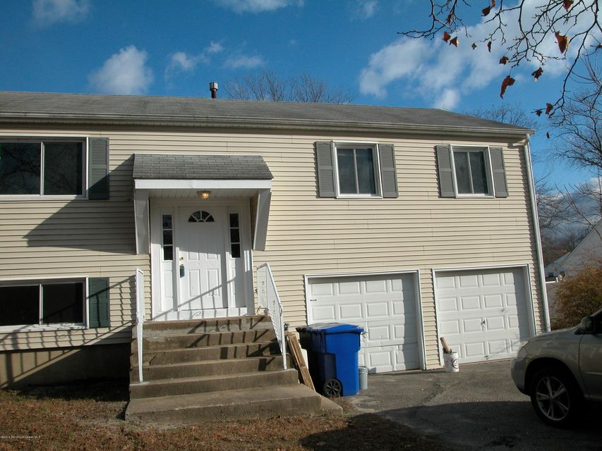 Single Family Home for Rent at 901 Tudor Drive 901 Tudor Drive Toms River, New Jersey 08753 United States