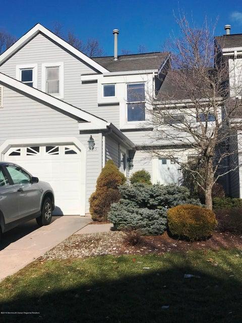 Condomínio para Locação às 205 Manahan Road 205 Manahan Road East Brunswick Township, Nova Jersey 08816 Estados Unidos
