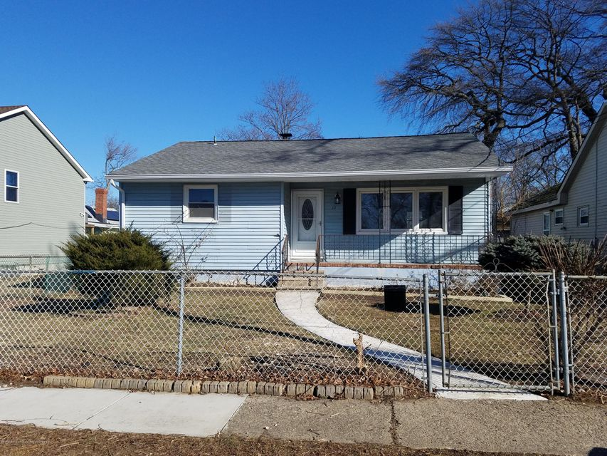 Single Family Home for Rent at 12 Shadyside Avenue 12 Shadyside Avenue Keansburg, New Jersey 07734 United States